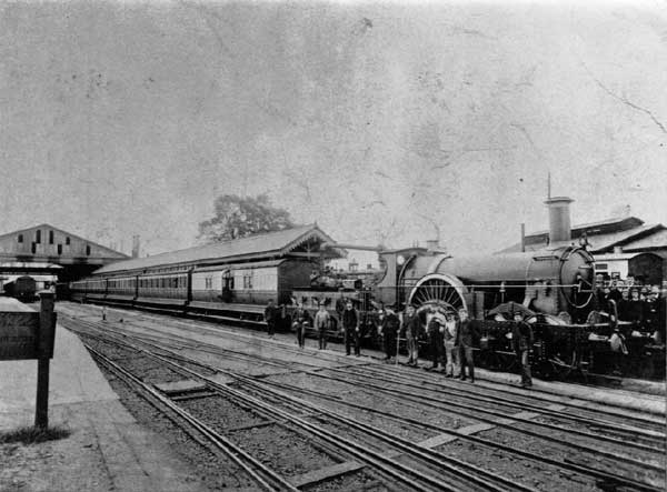 GWR_Dragon_at_Taunton_1892_